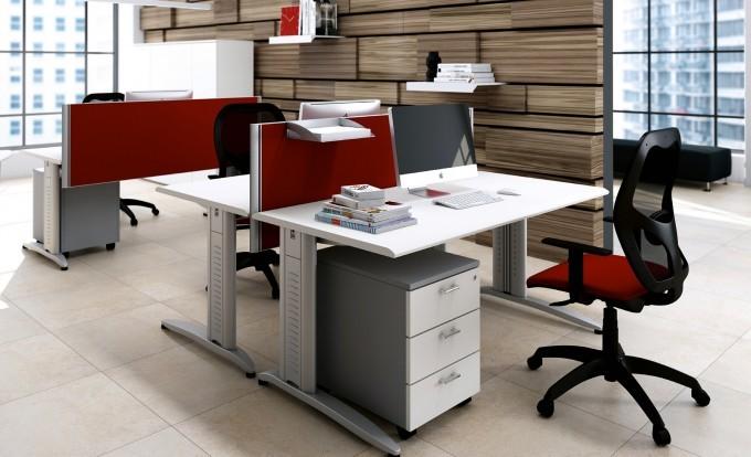 scrivania operativa bianca
