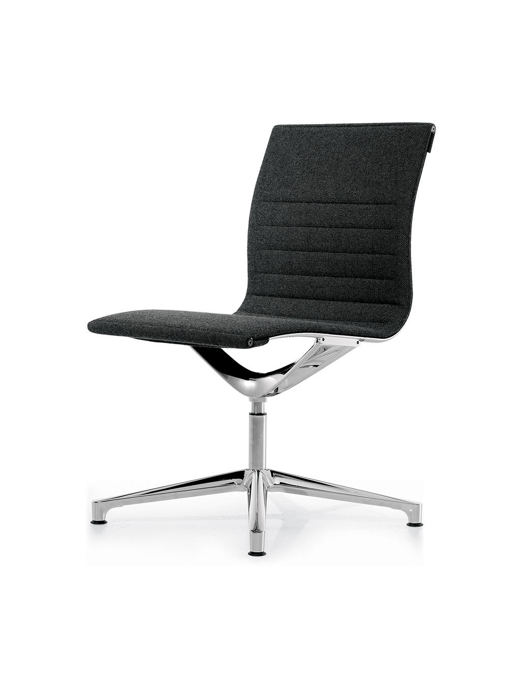 Una chair management sedia direzionale con schienale for Sedia design svedese