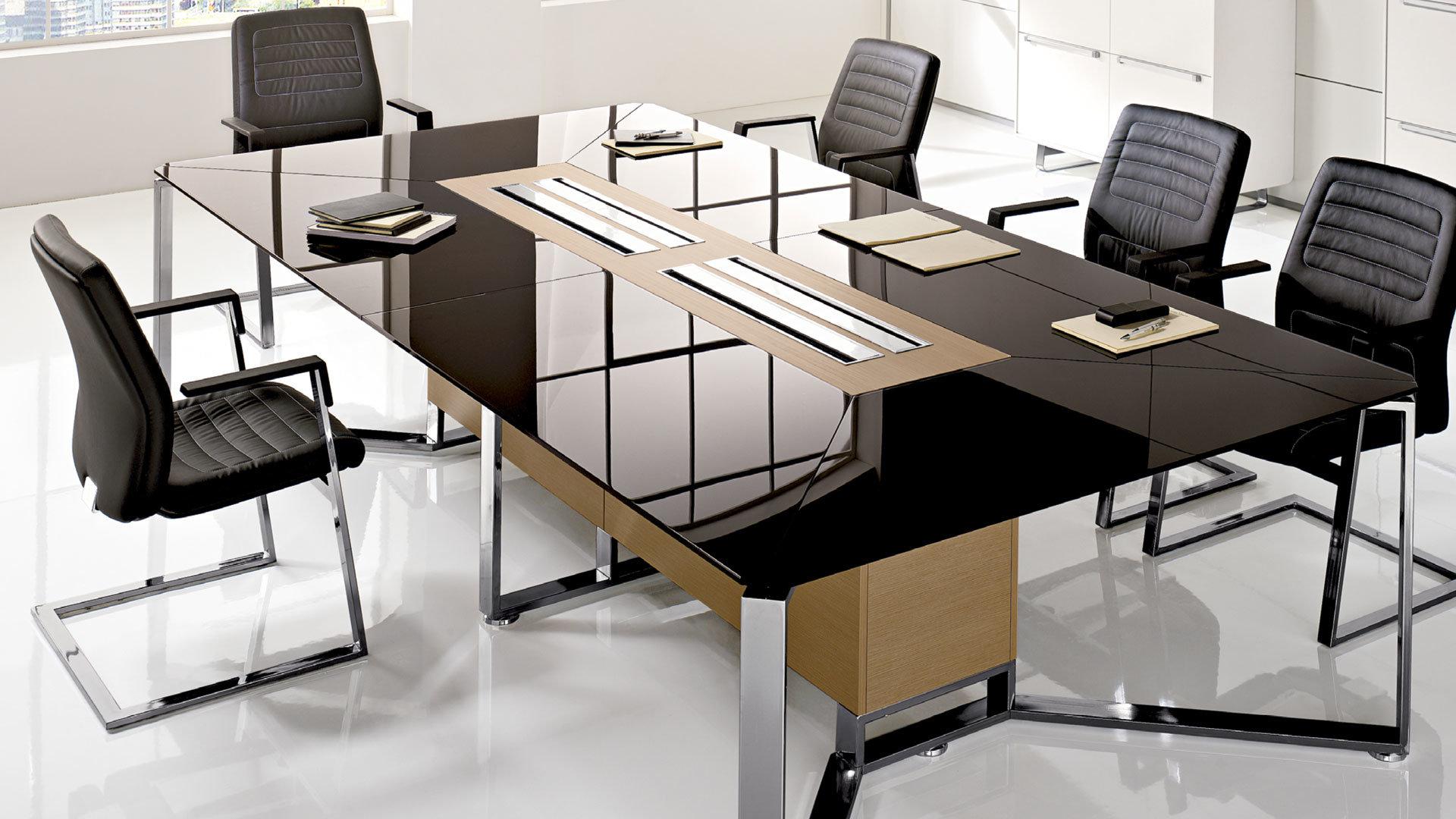 Come scegliere il tavolo giusto per tua sala riunioni for La forma tavoli