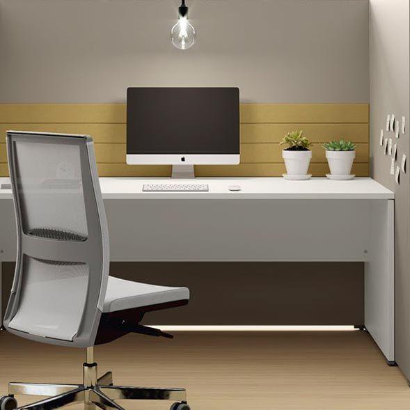 scrivania in angolo studio