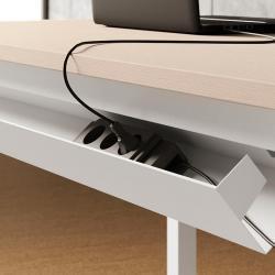 pratica soluzione per cavi corrente dietro scrivania