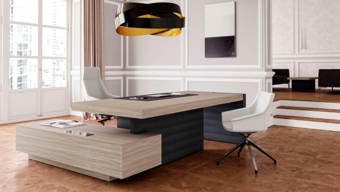 scrivania presidenziale in legno chiaro
