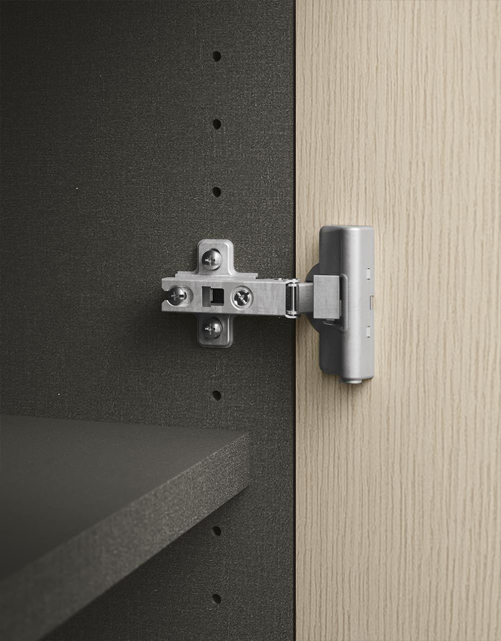 Le pareti attrezzate ufficio pi belle contact roma for Progettare parete attrezzata