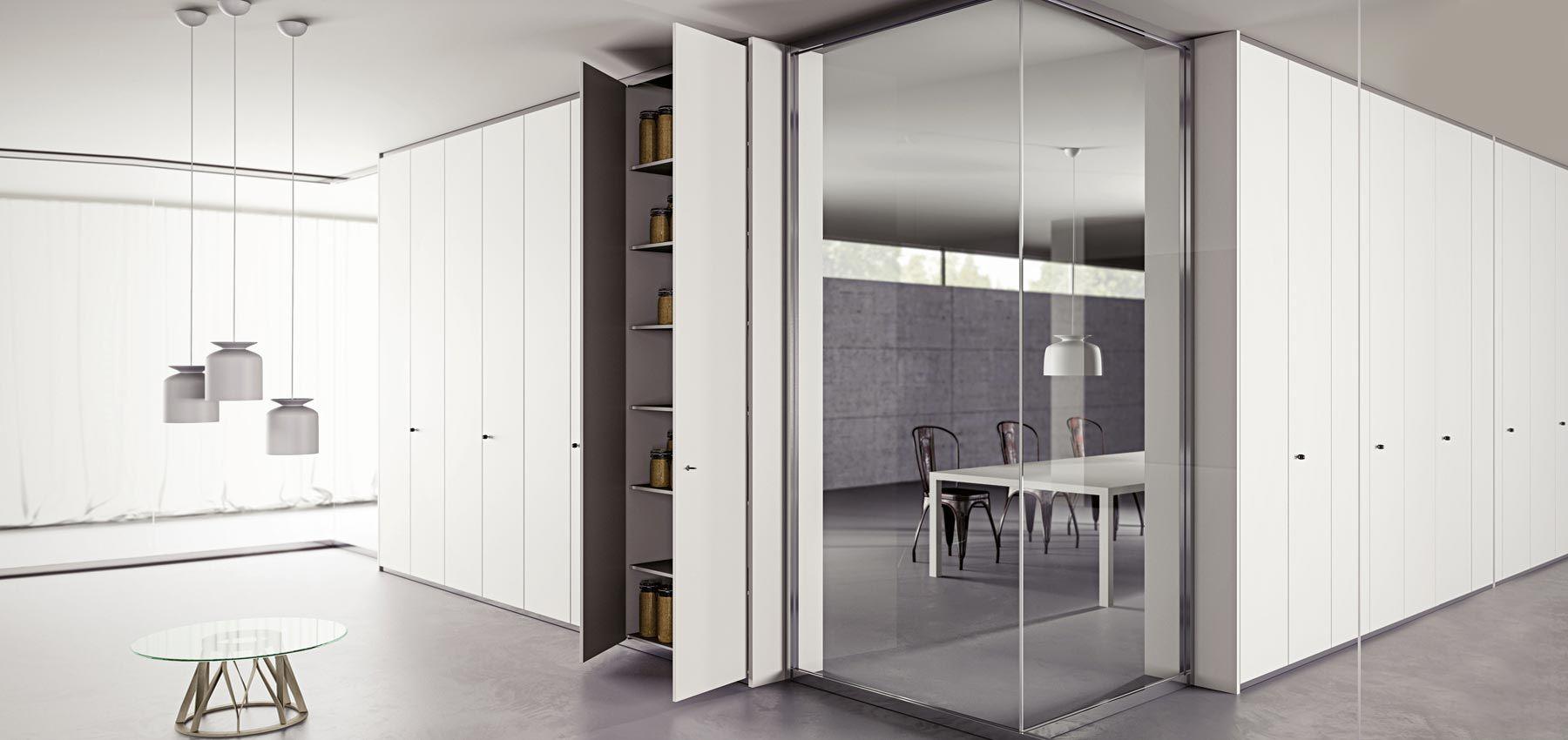 parete attrezzata ufficio bianca laccata con specchio