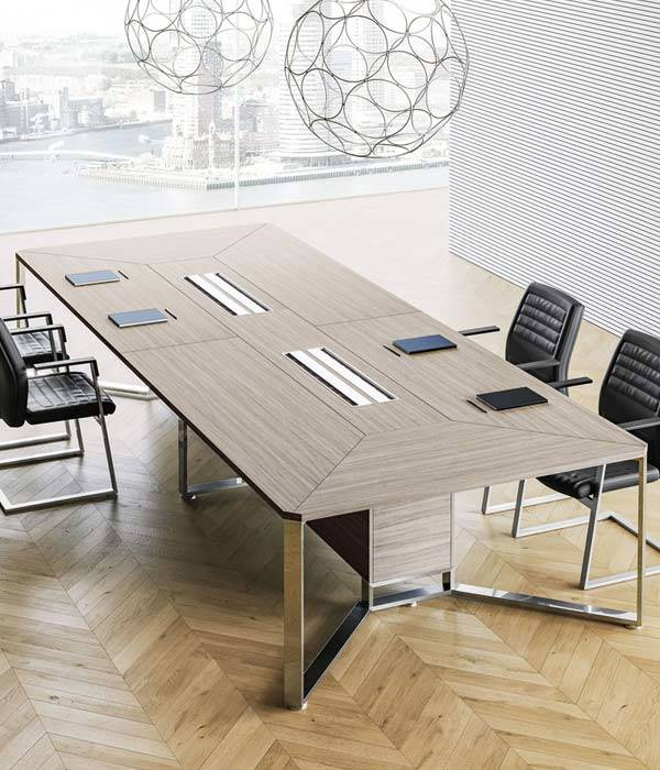 Tavolo riunione grande azienda