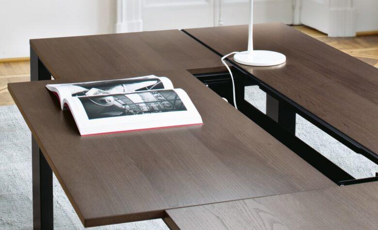 scrivania direzionale per architetto con piano in legno scorrevole
